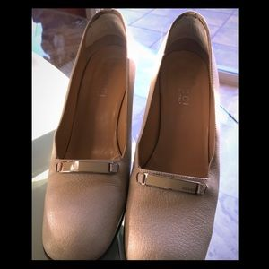 GUCCI Pumps! For any occasion!